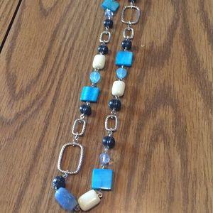 NWOT Lia Sophia necklace